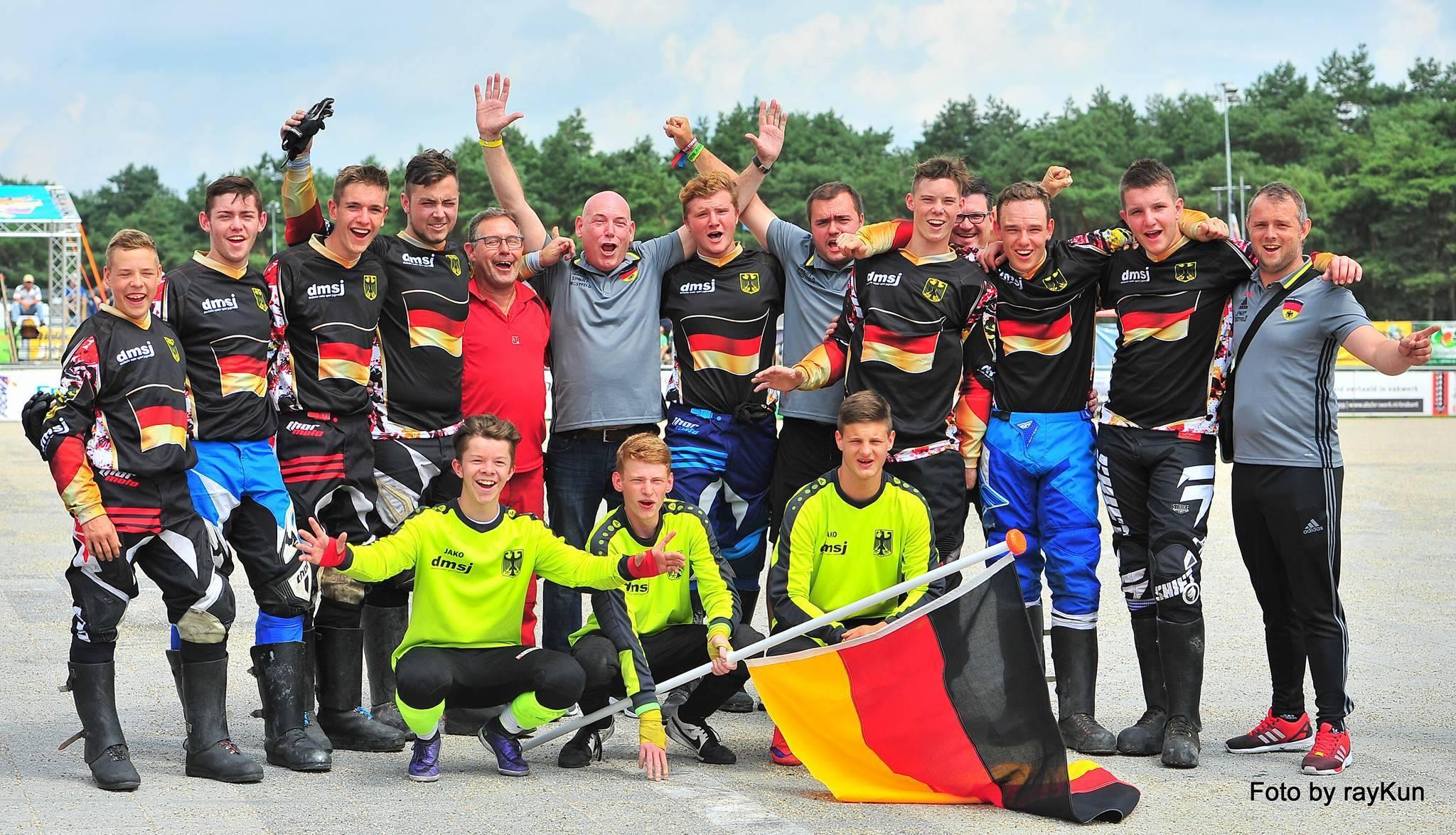 Юношеская сборная Германии - победитель первого (неофициального) юношеского чемпионата Европы 2016. Фото: Ray Kun